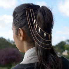 65 Badass Box Braids Hairstyles That You Can Wear Year-Round - Hairstyles Trends Box Braids Hairstyles, Trendy Hairstyles, Kim Kardashian Braids, Triangle Hair, Breaking Hair, Hair Chains, Head Jewelry, Jewellery, Gold Hair
