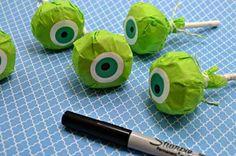 Chupetines decorados como Mike Wazowski - http://xn--manualidadesparacumpleaos-voc.com/chupetines-decorados-como-mike-wazowski/