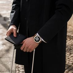 Summit is made to speed through the airport. holds all your digital travel documents, with flight information and boarding pass at your wrist. Montblanc Summit, Mont Blanc Watches, Android Wear, Wearable Technology, Smart Watch, Boarding Pass, Digital, Free, Travel