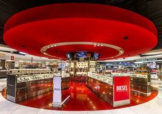 Dufry duty free store by JHP, São Paulo – Brazil Visual Merchandising, Fashion Merchandising, Shop Interior Design, Retail Design, Store Design, Sumo, Sao Paulo Brazil, Store Layout, Terminal