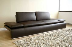 Tips That Help You Get The Best Leather Sofa Deal. Leather sofas and leather couch sets are available in a diversity of colors and styles. A leather couch is the ideal way to improve a space's design and th Unique Furniture, Sofa Furniture, Luxury Furniture, Contemporary Leather Sofa, Interior Design Classes, Interior Decorating, Bed Sets For Sale, King Bedding Sets, Comforter