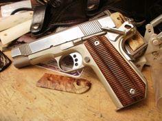 Colt Commander bobtail - love the grips!