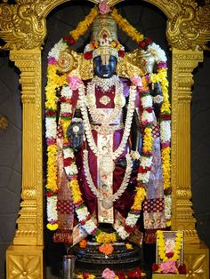 Daily Darshan (30-10-12) Lord Balaji @ISKCONPune Hindu Deities, Hinduism, Lord Ganesha, Lord Shiva, Mysore Painting, Lord Balaji, Lord Vishnu Wallpapers, Lord Mahadev, Great King