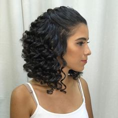 10 Easy Hairstyles for Fine Curly Hair Looking for some style inspiration for your fine, curly hair? Fine, curly hair often struggles with a loss of volume and appearing flat - these styles can help. SEE DETAILS. Fine Curly Hair, Curly Hair Updo, Wavy Hair, Curly Hair Styles, Natural Hair Styles, Curly Wigs, Long Curly, Medium Curly, Easy Hairstyles