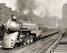 New York Central RR Dreyfuss Century Limited photo Orient Express Train, Time Travel Machine, Train Miniature, New York Central Railroad, Railroad History, Train Art, Rail Train, Railroad Photography, Old Trains