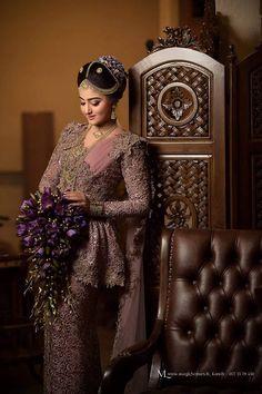 Bridal Sari, Wedding Sari, Bridal Wedding Dresses, Indian Bridal, Wedding Bride, Flower Boquet, Christian Bride, Bridal Makeover, Bridal Dress Design