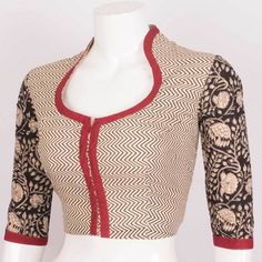 Discover thousands of images about Hand Printed Beige Cotton Blouse With Zig zag Design & Collar Neck 10015895 - Size 40 - AVISHYA. Saree Blouse Neck Designs, Simple Blouse Designs, Stylish Blouse Design, Kurti Neck Designs, Kurta Designs Women, Sleeve Designs, Designer Blouse Patterns, Blouse Models, Indian Designer Wear