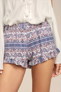 Seek out adventure in the Rhythm Arabella Blue Print Shorts! Blue, pink, red, and white Boho print decorates these shorts with an elasticized waist and ruffled hems. Logo tag at hem. Ruffle Shorts, Boho Shorts, Soft Pants, Printed Shorts, Boho Dress, Short Skirts, Boho Fashion, Boho Chic, Cute Outfits