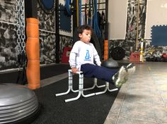L-Sit Kids Workout, Exercise For Kids, Home Appliances, Training, House Appliances, Appliances