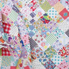 Vintage and Feedsack Fabric Quilt in Progress | Red Pepper Quilts 2015 - ideas for getting rid of musty smell