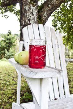 Nappe on 100 % suomalaista käsityötä ja kierrätysmateriaalia. Outdoor Chairs, Outdoor Furniture, Outdoor Decor, Home Decor, Style, Swag, Decoration Home, Room Decor, Garden Chairs