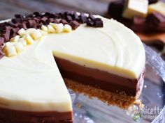 Triple chocolate cheesecake: three layers of goodness, Layer Cheesecake, Classic Cheesecake, Easy Cheesecake Recipes, Cheesecake Bites, Pumpkin Cheesecake, Easy Cake Recipes, Pear And Chocolate Cake, Triple Chocolate Cheesecake, Chocolate Recipes
