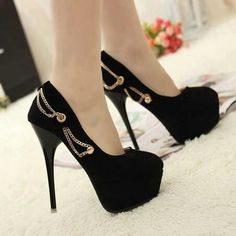 Tacones - I love these, the chains are awesome