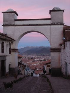 Cuzco, Peru Peru Travel Destinations Honeymoon Backpack Backpacking Vacation Wanderlust Budget Off the Beaten Path South America Beautiful Places To Visit, Oh The Places You'll Go, Places To Travel, Travel Destinations, Machu Picchu, Ecuador, Monuments, Les Continents, Viajes