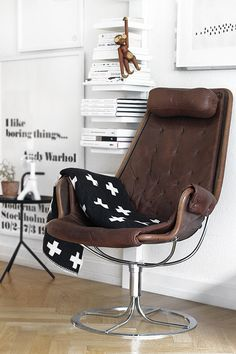 the chair, the rug + coffee brown .. so good
