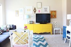 danielle oakey interiors: 30 Minute Gallery Wall!
