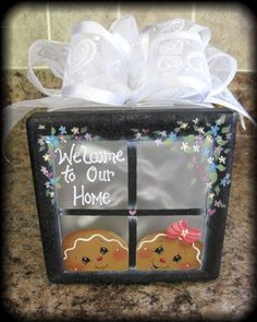 ideas for lighted decorative glass blocks - My Web Value Gingerbread Crafts, Gingerbread Decorations, Christmas Gingerbread, Christmas Time, Gingerbread Men, Painted Glass Blocks, Decorative Glass Blocks, Lighted Glass Blocks, Glass Cube
