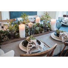 "JULDUKNING Nu blir det terror med bilder från gårdagens dukning som gick i temat ""välkommen till skogen"" Christmas table setting, ""welcome to the woods"" #jul #christmas #interior4all #inspiration #dukning #julblommor #juldekoration #juldukning #industri #industriell_interior #industri #interiör #inredning #blommor #flowers"
