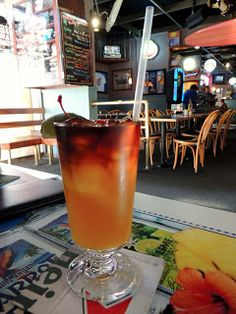 Eat Drink And Be Me: Dollies Pub & Cafe makes a really strong Mai Tai!