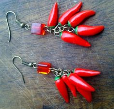 Love this! Little hot chile peppers :) Sweet 1 hour polymer clay project