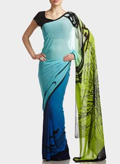 Looove this! Simplistic Pure Crepe Satya Paul Saree You are in the right place about Blouse summer Here we offer you the most beautiful pictures about the sari Bl Latest Indian Saree, Indian Sarees Online, Indian Attire, Indian Wear, Indian Style, Pakistani Outfits, Indian Outfits, Satya Paul Sarees, Couture Fashion