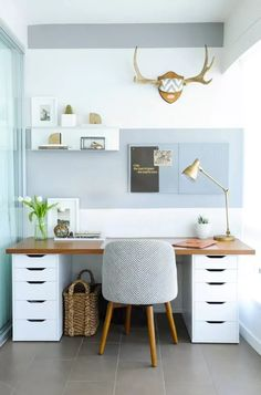 home office space / home office ` home office ideas ` home office decor ` home office design ` home office organization ` home office ideas for women ` home office space ` home office ideas on a budget Mesa Home Office, Home Office Space, Home Office Desks, Home Office Furniture, Furniture Ideas, Office Spaces, Office Workspace, Tiny Office, Apartment Office