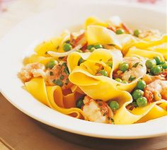 Annabel Langbein Pasta with Prawns and Peas Recipe