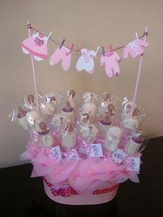 New baby shower decorations centerpieces favors ideas Cadeau Baby Shower, Baby Shower Niño, Girl Shower, Baby Shower Favors, Shower Party, Baby Shower Parties, Baby Shower Themes, Baby Shower Gifts, Shower Ideas