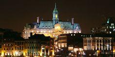 Montréal en lumières - entrée sud de la place, vue du Vieux-Port
