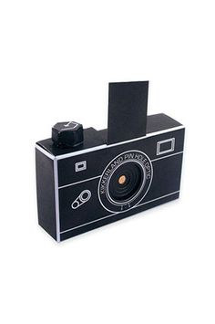 Capture photos in a fun new way with the PINHOLE CAMERA SOLARGRAPHY KIT! Light exposes the film through a small hole. The pinhole captures a direct image of everything in front of it. - Kit is made of