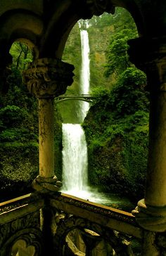 Oregon's Multnomah Falls: a two-drop scenic falls separated by a bridge in the Columbia Gorge Natural Scenic Area near Portland