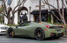 The Ferrari 458 is a supercar with a price tag of around quarter of a million dollars. Photos, specifications and videos of the Ferrari 458 Ferrari Italia 458, Ferrari 458, Maserati, Bugatti, Ferrari Daytona, Ferrari Auto, Ferrari 2017, Audi, Porsche