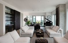 Yorkville Penthouse by Cecconi Simone Inc.
