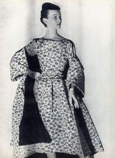 Balenciaga, 1954