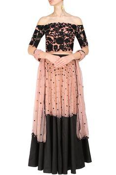 #perniaspopupshop #ankbyamritkaur #embroidered #floral #clothing #shopnow #happyshopping