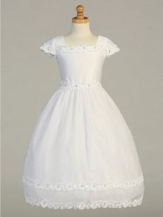 This well designed short sleeved satin bodice and organza skirt with ribbon lace and rhinestone trimmings is the perfect choice for any First Holy Communion/Flower Girl Dress.
