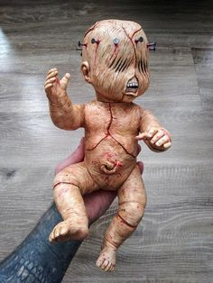 This is Tortured Tommy a handmade horror doll. This is the first doll of my horror doll line. There any many more creature babies in the works. Transformers, Baby Zombie, Scary Dolls, Realistic Dolls, Halloween Doll, Found Art, Creepy Art, Doll Parts, Detail Art