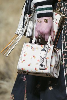 Coach 1941 Fall 2017 Ready-to-Wear Accessories Photos - Vogue