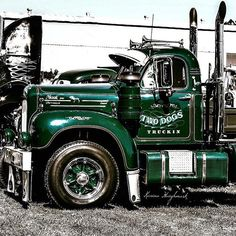 Chevy trucks aficionados are not just after the newer trucks built by Chevrolet. They are also into oldies but goodies trucks that have been magnificently preserved for long years. Old Mack Trucks, Old Pickup Trucks, Big Rig Trucks, Custom Truck Parts, Custom Trucks, Mack Attack, Classic Chevy Trucks, Classic Cars, Chevy Classic