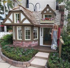 The Queens Garden Cottage by Team HomeAid  Project Playhouse 2012|Playhouse Gallery