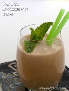Thick creamy and delicious! LCHF keto and sugar free recipe. Thick creamy and delicious! LCHF keto and sugar free recipe. Keto Smoothie Recipes, Low Carb Smoothies, Apple Smoothies, Drink Recipes, Best Low Carb Recipes, Low Sugar Recipes, Keto Recipes, Favorite Recipes, Healthy Recipes