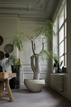 Each pot of Atelier Vierkant is unique and tells a different story. A story made of inspiration and transpiration. Natural Interior, Home Interior, Interior And Exterior, Shabby Chic Bedroom Furniture, Luxury Furniture, Art Furniture, Indoor Trees, Indoor Plants, Plantation