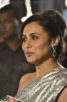 Rani Mukherji attended the GQ Men of the Year Awards 2013 in a shimmery gown. GQ India's Men of the Year Awards, in association with Chivas, commemo. Rani Mukerji, Bollywood Designer Sarees, Gq Men, Perfect Eyebrows, Indian Beauty Saree, Power Girl, Beautiful Indian Actress, Actress Photos, Beautiful Eyes