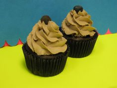 SUGAR FREE CUPCAKES Our sugar-free chocolate and vanilla cupcakes are almost completely sugar-free!  Baked with Splenda (not a blend, so 0 carbs!), with whipped toppings sweetened with the tastier Truvia, you can indulge guilt-free.  Many folks struggle with diabetes, including the Cupcake Grandmother, so we want to offer you a couple safe and delicious options.  Give them a try!  Just $30 to the dozen