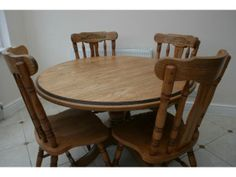 DINING TABLE AND CHAIRS Hullbridge Picture 3