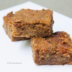 Vegan Banana Squares Recipe on Yummly Breakfast Dessert, Dessert For Dinner, Baking Recipes, Vegan Recipes, Almond Flour Cakes, Vegan Vegetarian, Vegan Food, Coconut Sugar, Coconut Oil