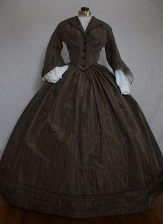 Victorian Women, Victorian Fashion, Vintage Fashion, Historical Costume, Historical Clothing, Vampire Masquerade, Civil War Fashion, Civil War Dress, Hoop Skirt