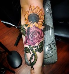 Floral tattoo designs have always been desirable since the b Sunflower Tattoo Meaning, Sunflower Tattoo Sleeve, Sunflower Tattoo Shoulder, Sunflower Tattoo Small, Sunflower Tattoos, Sunflower Tattoo Design, Rose Tattoos, Leg Tattoos, Body Art Tattoos