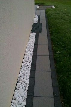 Edge and pave