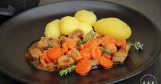 I fádní klasiku, jako je vepřové s dušenou mrkví, můžete uvařit trochu jinak. A myslím si, že i zarytí odpůrci dušené mrkve si na tomhle ... Food Hacks, Food Tips, Fruit Salad, Cantaloupe, Recipies, Food And Drink, Cooking Recipes, Eggs, Dinner